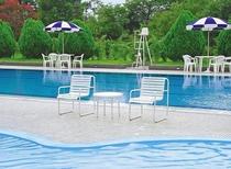 【屋外プール】25m×8mの屋外プールはご宿泊者は無料でご利用になれます
