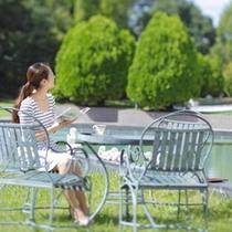 ≪中庭≫ゆっくり読書もおすすめ