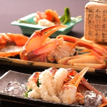 【活蟹づくし】本村剛調理長は蟹にこだわり旬の素材を巧みに使い新たな旅館料理を追求しました。