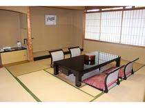 メゾネットルームの和室