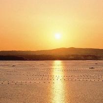 七尾湾に沈む美しい夕日