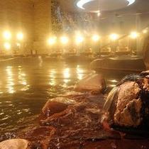【大浴場・女神の湯 岩風呂】噴出口アップ