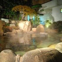 【大浴場・女神の湯 露天風呂】アップ