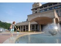 ホテル前の噴水広場