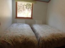 2部屋タイプの2階の寝室