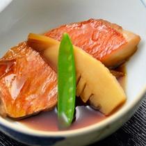 【夕食】季節の一例 金目鯛の煮付