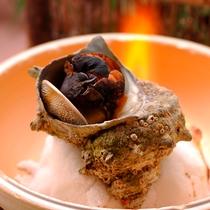 【料理】季節の夕食一例(サザエのつぼ焼き)
