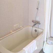 【ホットハート・バスルーム】バリアフリー対応なので、三世代旅行もばっちりです!