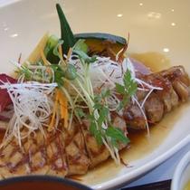 【ご夕食一例】あそび豚のソテー(メインの肉料理)