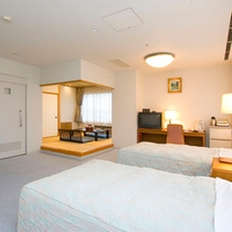 【ホットハートルーム】バリアフリー対応。ゆったりとお寛ぎいただける、角部屋の和洋室タイプのお部屋です