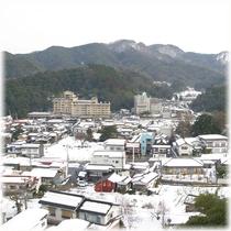【客室】 温泉街側 冬の雪景色