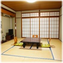【客室】 山側 10畳+2畳 ①