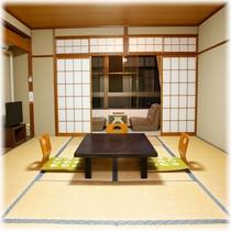 【客室】 山側 10畳+2畳 ③