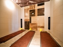 女性大浴場岩盤浴室