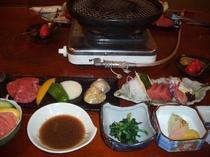 夕食一例・網焼きステーキほか