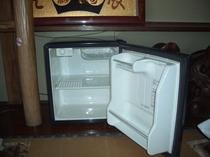 空の冷蔵庫・20畳和室