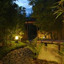 ●夜の庭園