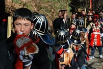 2012秋葉まつりギャラリー ホラ貝の音は少年たちが吹く音。