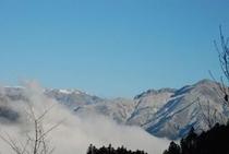 ひょうたん桜で有名な桜地区 見える景気は対岸の宗津地区の山5