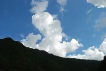 空が青い 雲がキレイ