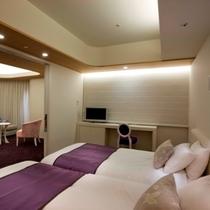 【客室】ジュニアスイートルーム 58.1平米 ベッドルーム