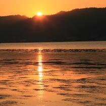 【ロケーション】反対側は阿蘇海。内海の為、湖のような穏やかな海の景色です。