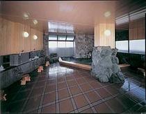 岩風呂風男性大浴場