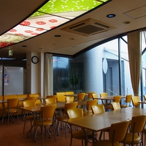 【食堂】お食事はこちらでお召し上がり下さい。