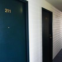 お部屋前の廊下★