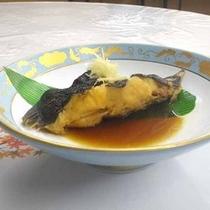 *【夕食一例】魚の煮つけ 甘辛のタレが食欲をそそります。