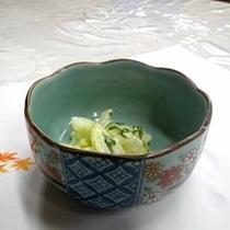 *【夕食一例】イカのマヨネーズ和え。クリーミーな味わいです。