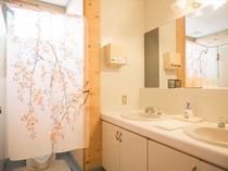 男性専用トイレ洗面所