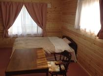 「ケンジの宿 新館」 禁煙ダブルルーム(バストイレ付・ベッド1台)
