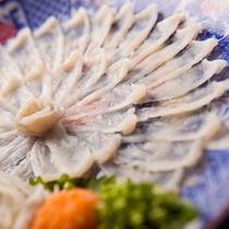 【料理】淡泊で上品な味わいの河豚(ふぐ)