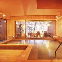 【温泉】6階にある展望風呂「天空の森」の内湯です。