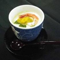 *【茶碗蒸し】茶碗蒸しの中身も海老やウニの魚介を盛り込みました
