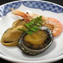 *【魚介の煮物】魚介の旨味を生かしながらやわらかく煮込みました
