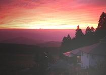 夕陽に染まるペンション1