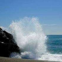 日本海の荒波