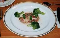 豚肉のマスタード焼きと青トマトのソース