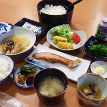 *朝食一例/美味しいおかずが並ぶ和朝食。ごはんは阿賀野市勝屋でとれる希少なコシヒカリです!