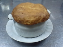 オニオングラタンスープのパン生地焼き
