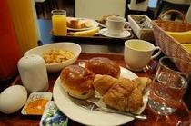 無料の軽朝食