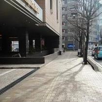 アクセス⑤ ホテルメトロポリタン長野様の横を通って