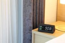 USBポートが前面に2つある目覚まし時計