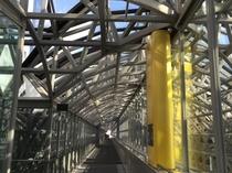 【京都駅ビル】表情豊かな京都駅ビル、わくわくする空中経路も必見です。