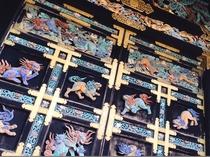 【世界遺産 西本願寺】ホテルから徒歩3分。国宝 唐門の色彩美を。