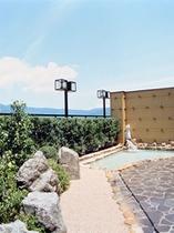 屋上露天風呂「月下の湯」