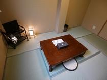 【和室の個室】 ※液晶テレビ、ドライヤー、鏡、目覚まし時計有 ※無線、有線LAN無料接続可