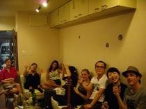 【国際交流パーティーを催した際の写真】 ※不定期ですがパーティなども行います。
